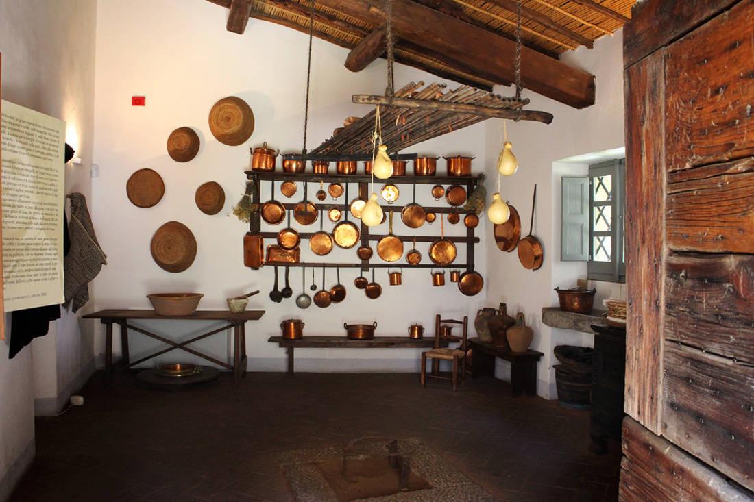 Cucina del Museo Deleddiano